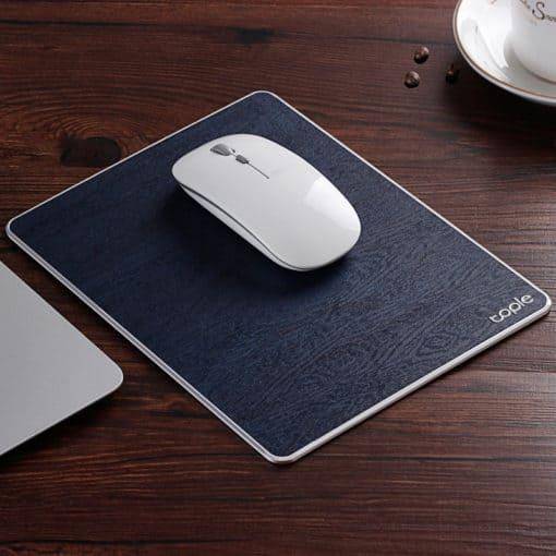 Tapis de souris double matière aluminium et cuir couleur bleu marine