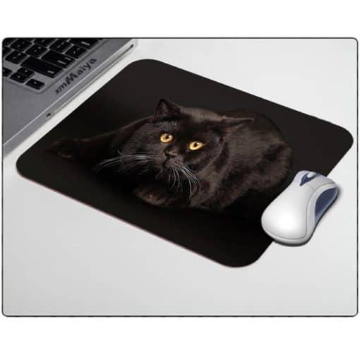 Tapis de souris chat noir aux yeux dorés